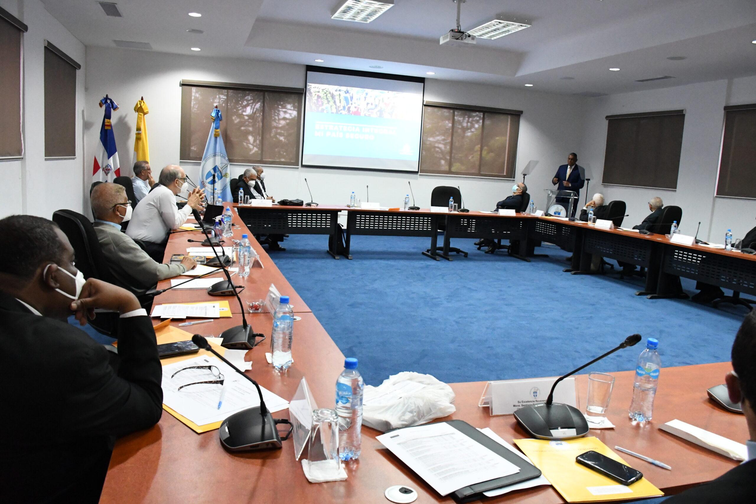 """Arzobispos y obispos expresan respaldo al plan """"Mi País Seguro"""""""