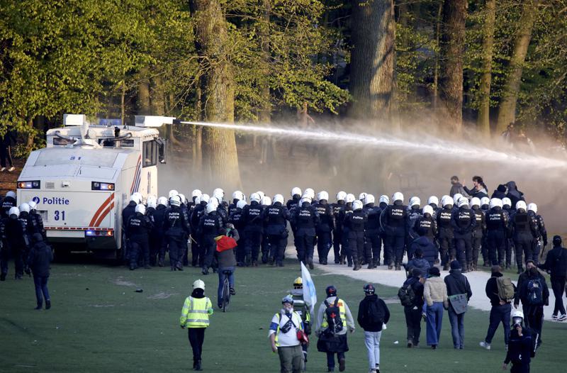 Bélgica: 132 detenidos en protesta contra las restricciones