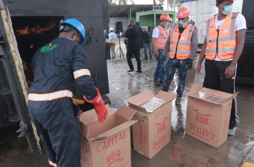 DGA incinera contrabando de 34 millones de unidades de cigarrillos