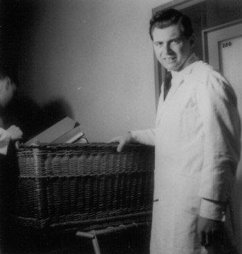 josef-Mengele-1935-e1300215793662
