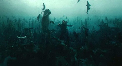 Noah has a dream vision where all humans die drowning but animals swim towards the Ark.