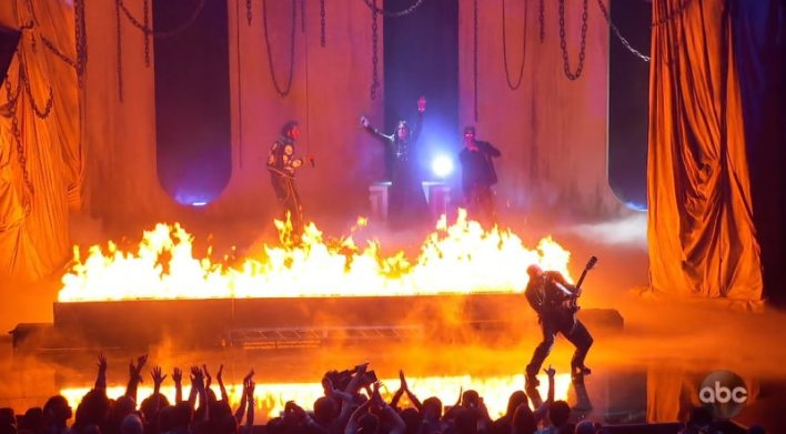 The 2019 American Music Awards: It Was Hell. Literally.