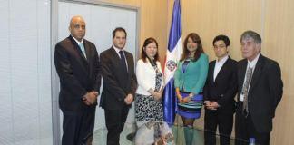 La delegación japonesa que visito el Ministerio de la Juventud