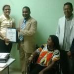Momentos en que dejan en funcionamiento la Delegación de la Oficialía en el Hospital de Boca Chica. (Foto: José Beato)