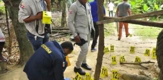 La Policía Científica recolectó decenas de casquillos de distintos calibre en la escena de la balacera. (Foto: Abel Ureña)