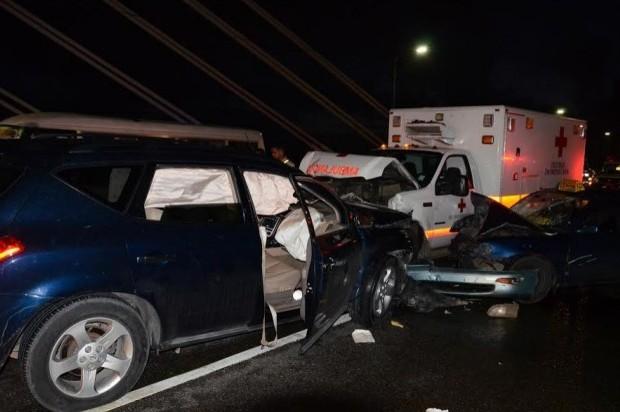Vehículos involucrados en el accidente puente Juan Pablo Duarte. (Foto: Franklin Guerrero)