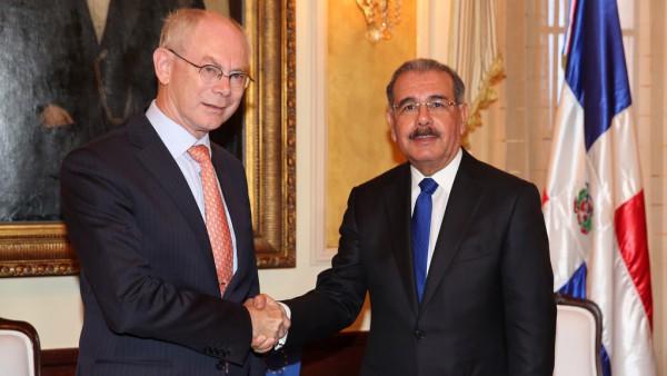 El presidente Danilo Medina junto al presidente del Consejo Europeo, Herman Van Rompuy.