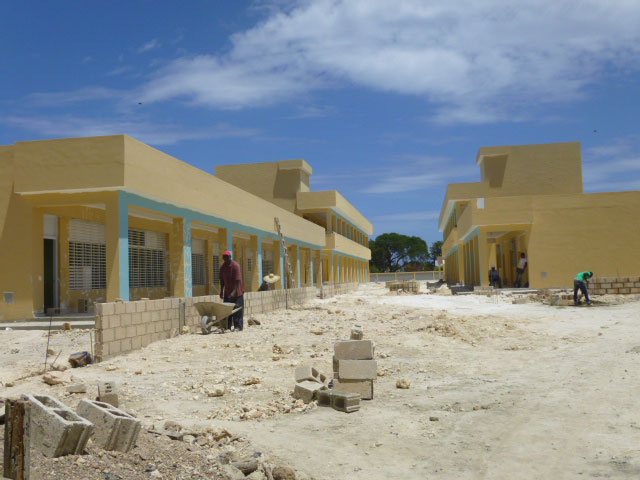 Escuela en construcción en San Pedro de Macorís.