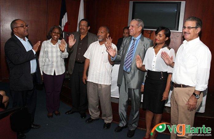 Olivo De León, presidente del CDP juramenta a los coordinadores de las diferentes comiciones de trabajos