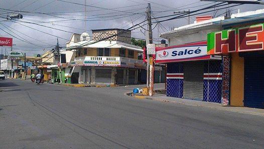 Así estaban las calles de la ciudad de Nagua durante el paro por Loma Miranda y otras reinvindicaciones. (Fotos: Johnny Alberto Salazar)