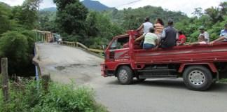 """Puente sobre el río """"Los Calimetes"""", municipio Los Cacaos, San Cristóbal"""