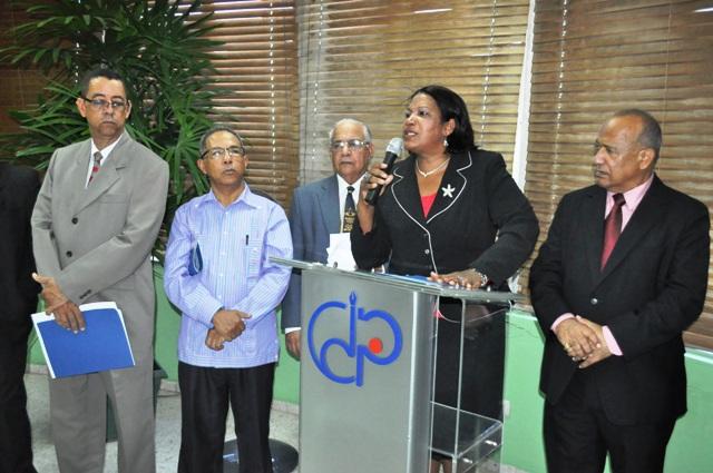 Mercedes Castillo, presidenta del IPPP encabezó el acto junto a otros directivos.
