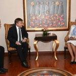 La presidenta del Senado, Cristina Lizardo Mezquita, recibió en su despacho una delegación encabezada por el Embajador de los Estados Unidos, James (Wally) Brewster