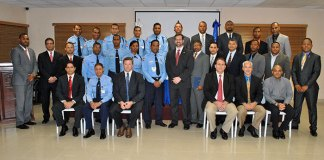 Entrenadores y entrenados sobre el comportamiento de la agencia antiterrorismo de los Estados Unidos
