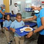 En la Escuela Básica Padre Eulalio Arias, de Jornada Extendida, en Cristo Rey hay cerca de 900 estudiantes matriculados y el almuerzo se prepara para esa cantidad.