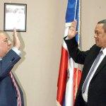 El ministro de Interior y Policía, José Ramón Fadul juramenta al nuevo viceministro Roberto Cordones