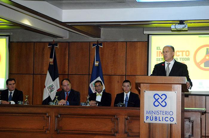 Domínguez Brito llama a la prudencia y a la sensatez campaña para prevenir accidentes de tránsito