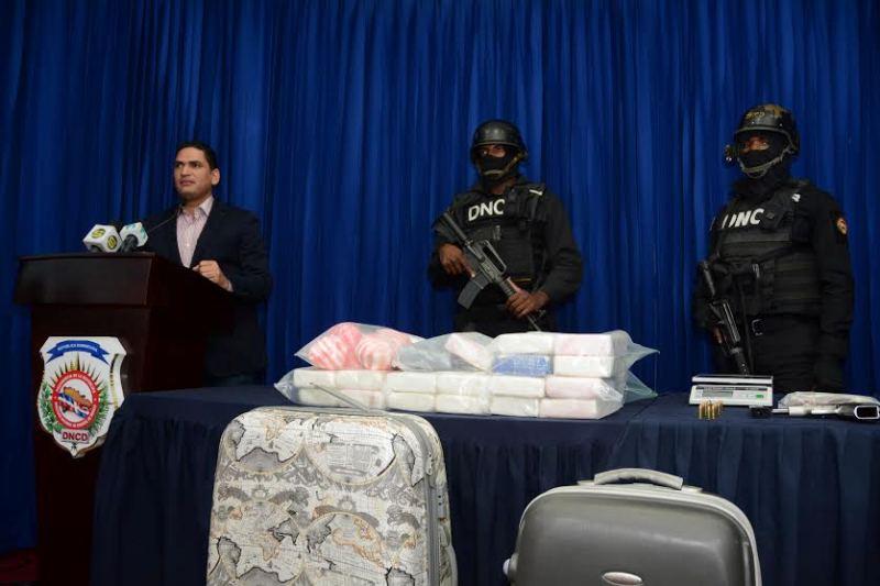DNCD decomisó 26 paquetes de un polvo blanco se presume es cocaína