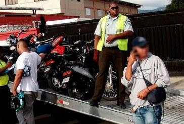 Someten a la justicia jóvenes echaban carrera de motocicletas