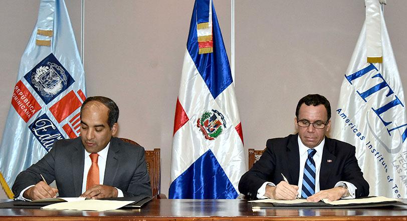 Educación y el ITLA firman acuerdo para nuevos politécnicos