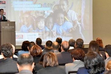 Navarro apoya estudio para reducir deserción escolar en RD