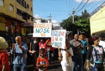 Munícipes de Cristo Rey rechazan traslado padre Rogelio Cruz a Colombia
