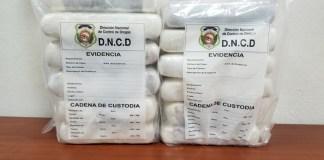 doce paquetes de drogas