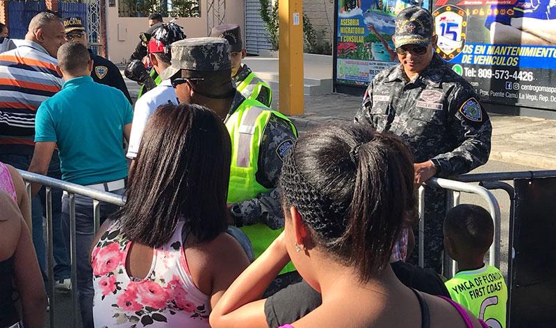 Policía garantiza seguridad en carnaval de La Vega