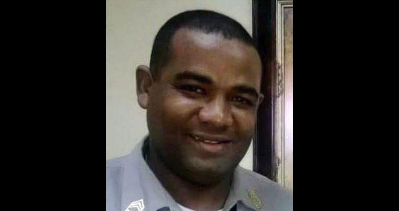 Matan oficial retirado intento detener presuntos asaltantes tienda