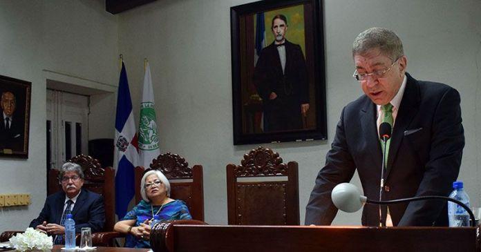 Pedro L. San Miguel