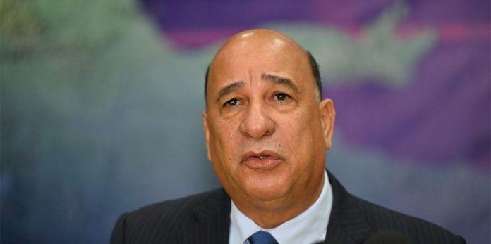 Rojas Gómez pide