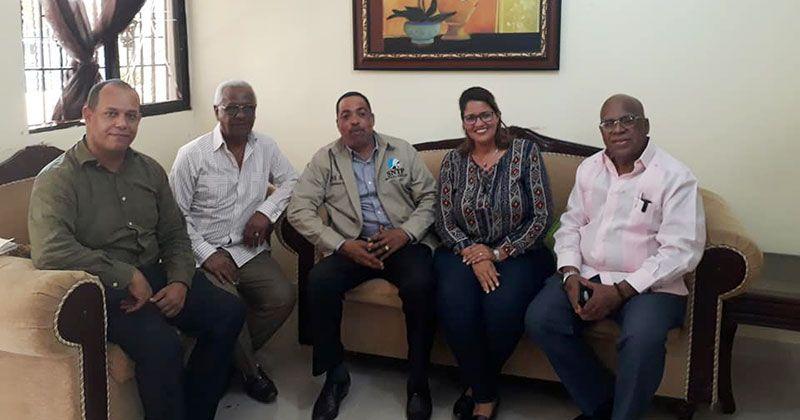 SNTP, Plan Social y médicos se reúnen con periodista Manuel Volquez