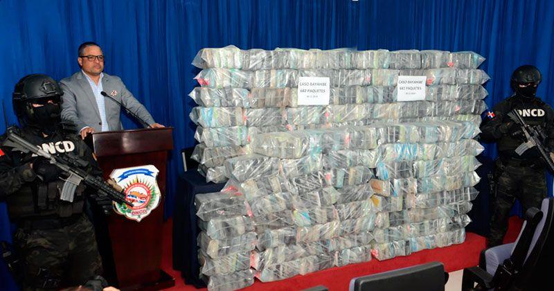 Ocupan 682 paquetes de cocaína, armas y apresan 6 de La Altagracia