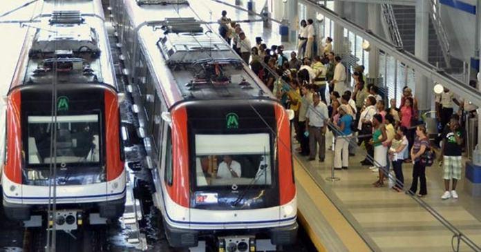 Retraso en Metro de Santo Domingo