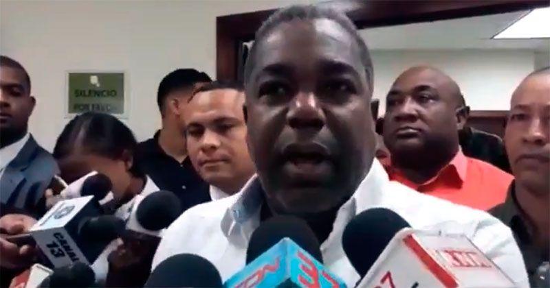 Tony Peña Guaba anuncia su renuncia del PRD tras fallo del TSE