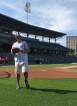 2015-06-04 Celebrity Softball - Vogel playing catch