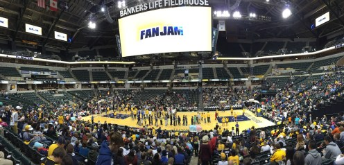 2015-10-18 Pacers FanJam - crowd shot 2