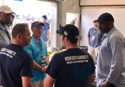 2017-05-18 McMillan and staff at Andretti garages