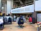 2017-09-28 Pacers Team Store Re-opening4