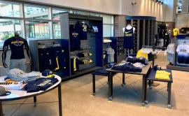 2017-09-28 Pacers Team Store Re-opening7