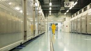 L'Iran annonce commencer à enrichir de l'uranium à 20% dans un contexte de tensions extrêmes
