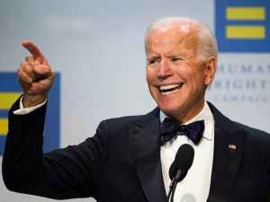 Spécialiste en rhétorique: «Biden ne sait pas faire de phrases»