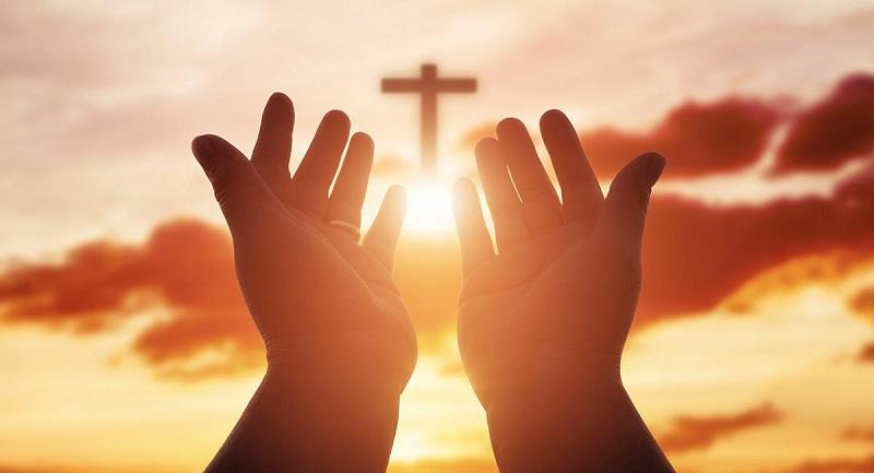 Dios no necesita nuestra alabanza