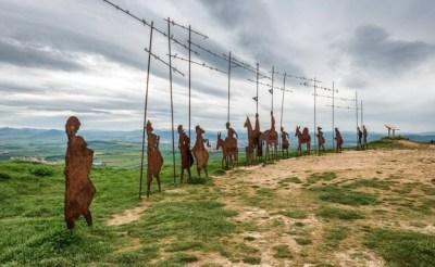 Homenaje a los peregrinos en el alto del Perdón