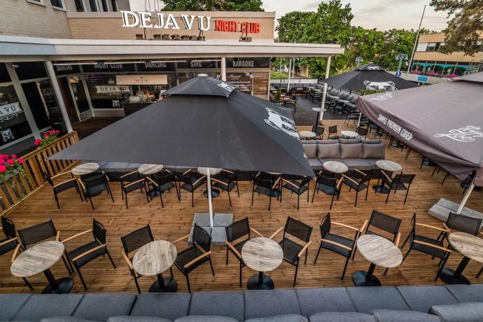 Ravintola DejaVun terassi on ke-su avoinna