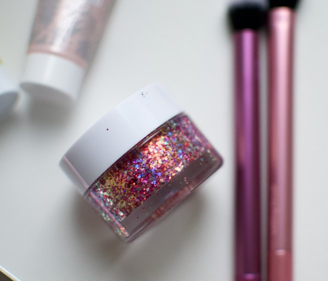 colourpop_glitterally_obsessed_avenue_of_the_stars_viilankantolupa.jpg