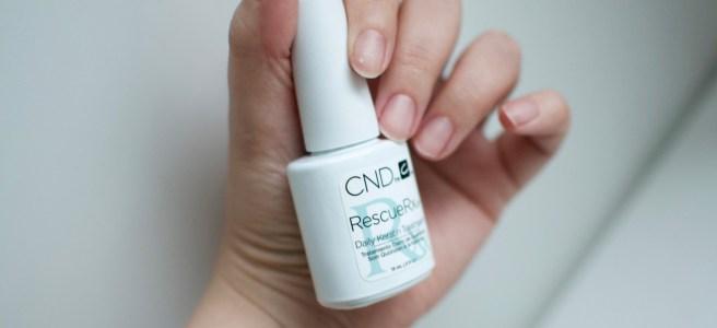 CND RescueRXx-keratiinihoito ja valkoiset pilkut kynsissä