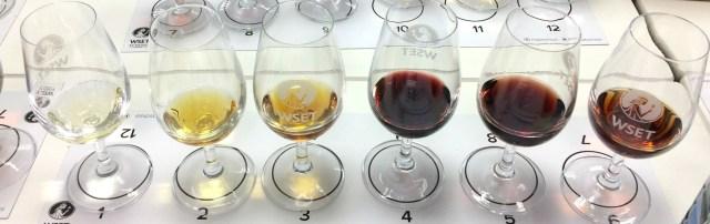 viinin värisävyt