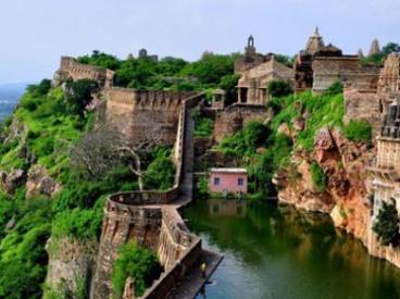 Historical Forts and Palaces in Rajasthan India   Vijayrampatrika.com
