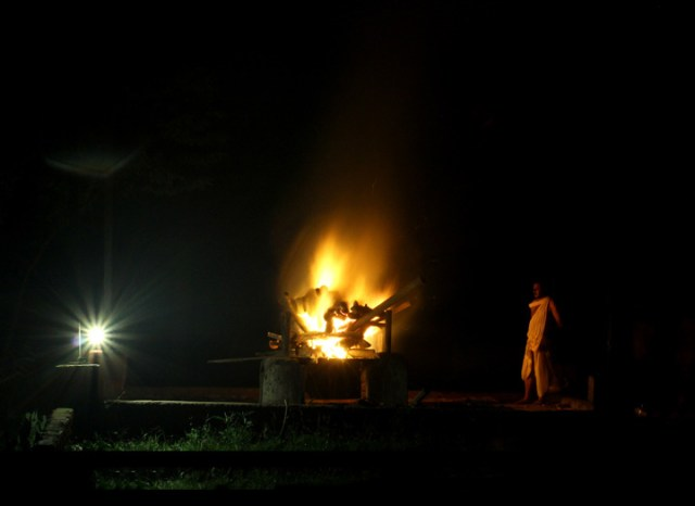 A Hindu Cremation in India - Donvikro/Wikimedia Commons